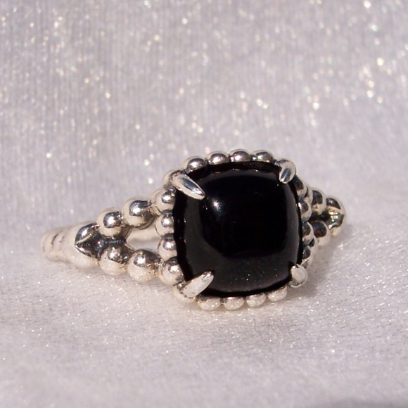 bfe374712 PANDORA Ring Vibrant Spirit Black Crystal Silver. M_5bca34f0c89e1d03a87af3a0